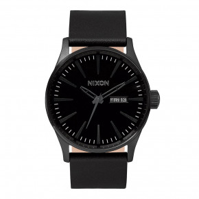 Go to the product Watch Nixon Sentry Leather all black 2019