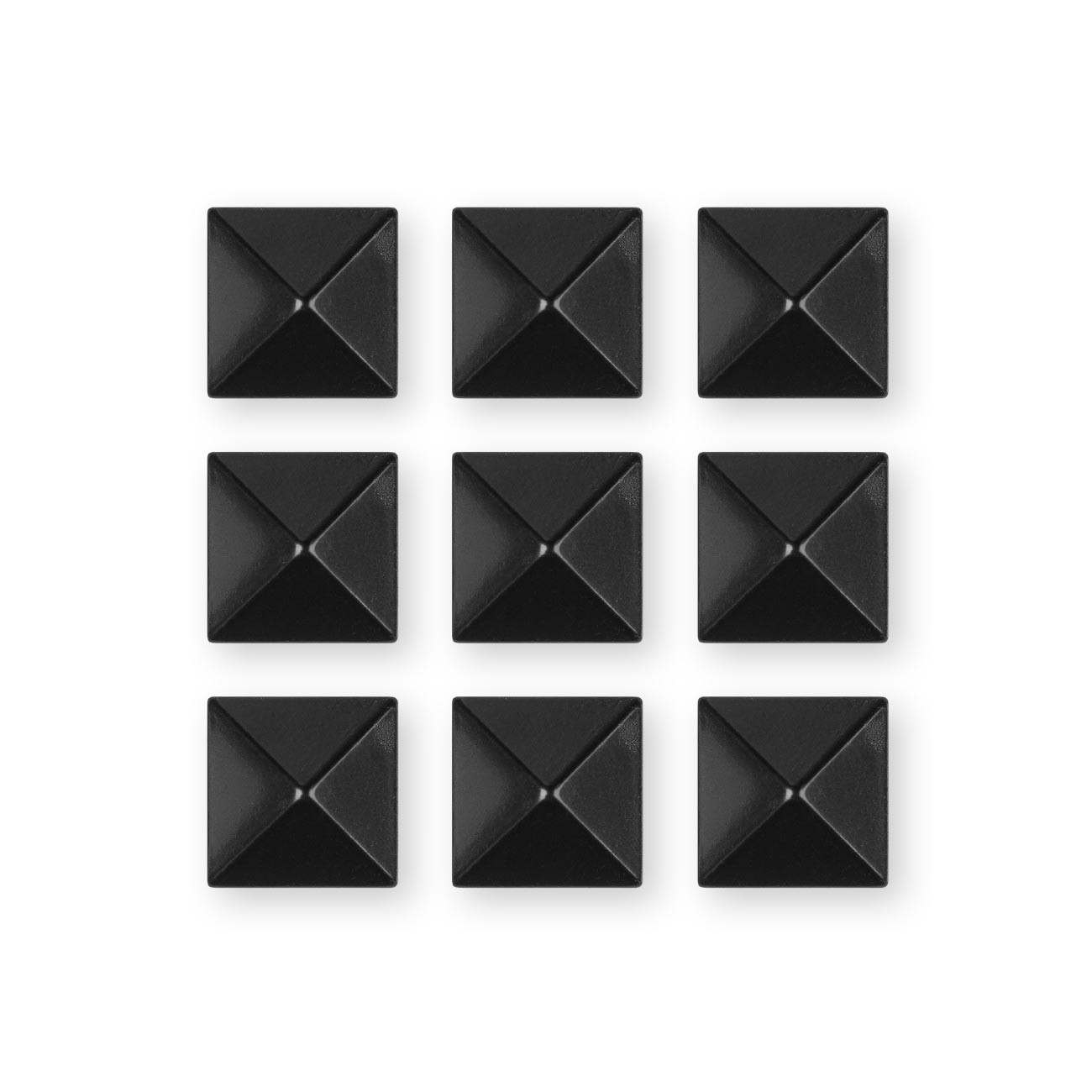 Grip Gravity Pyramid Studs black