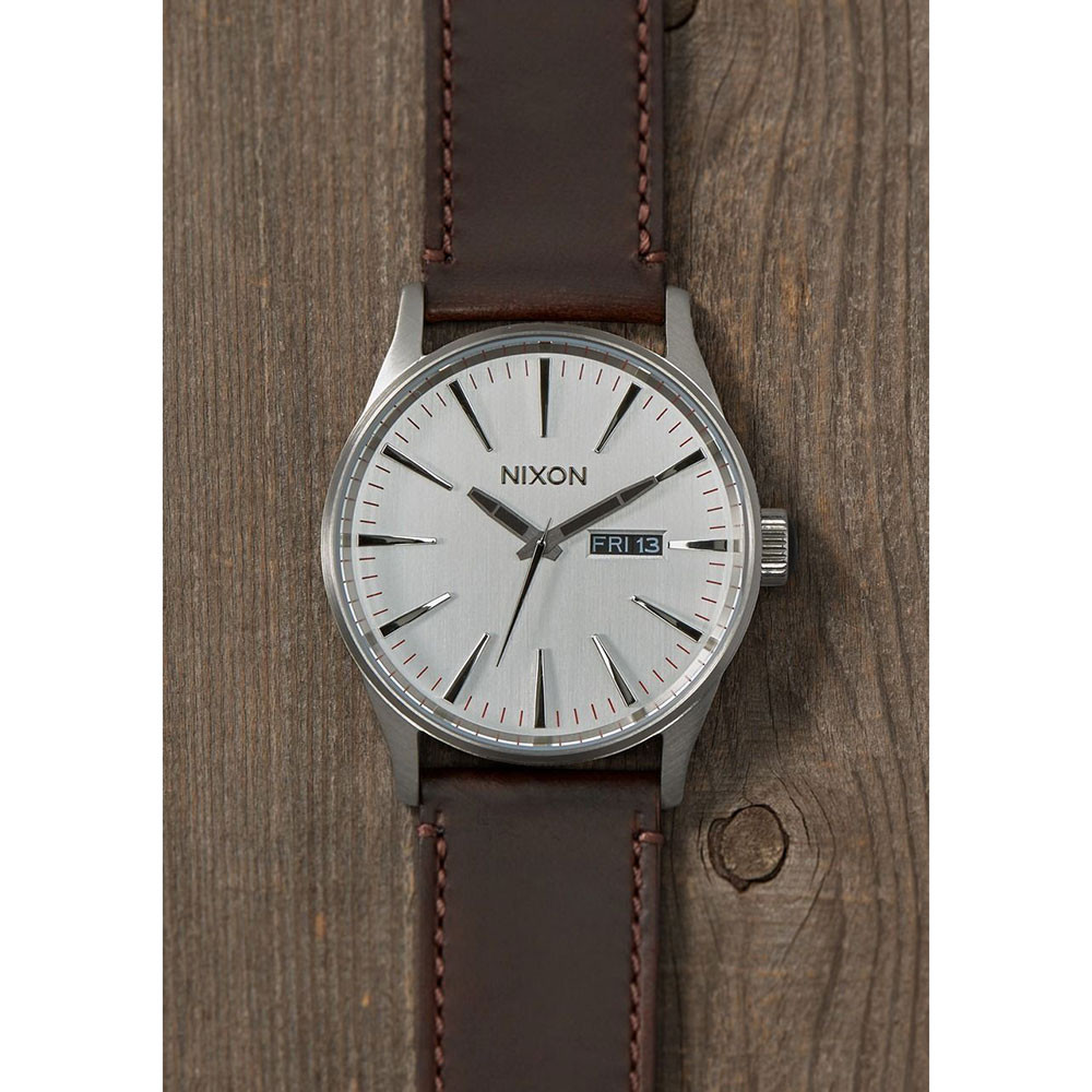 Hodinky Nixon Sentry Leather silver brown  ac7d8228ee