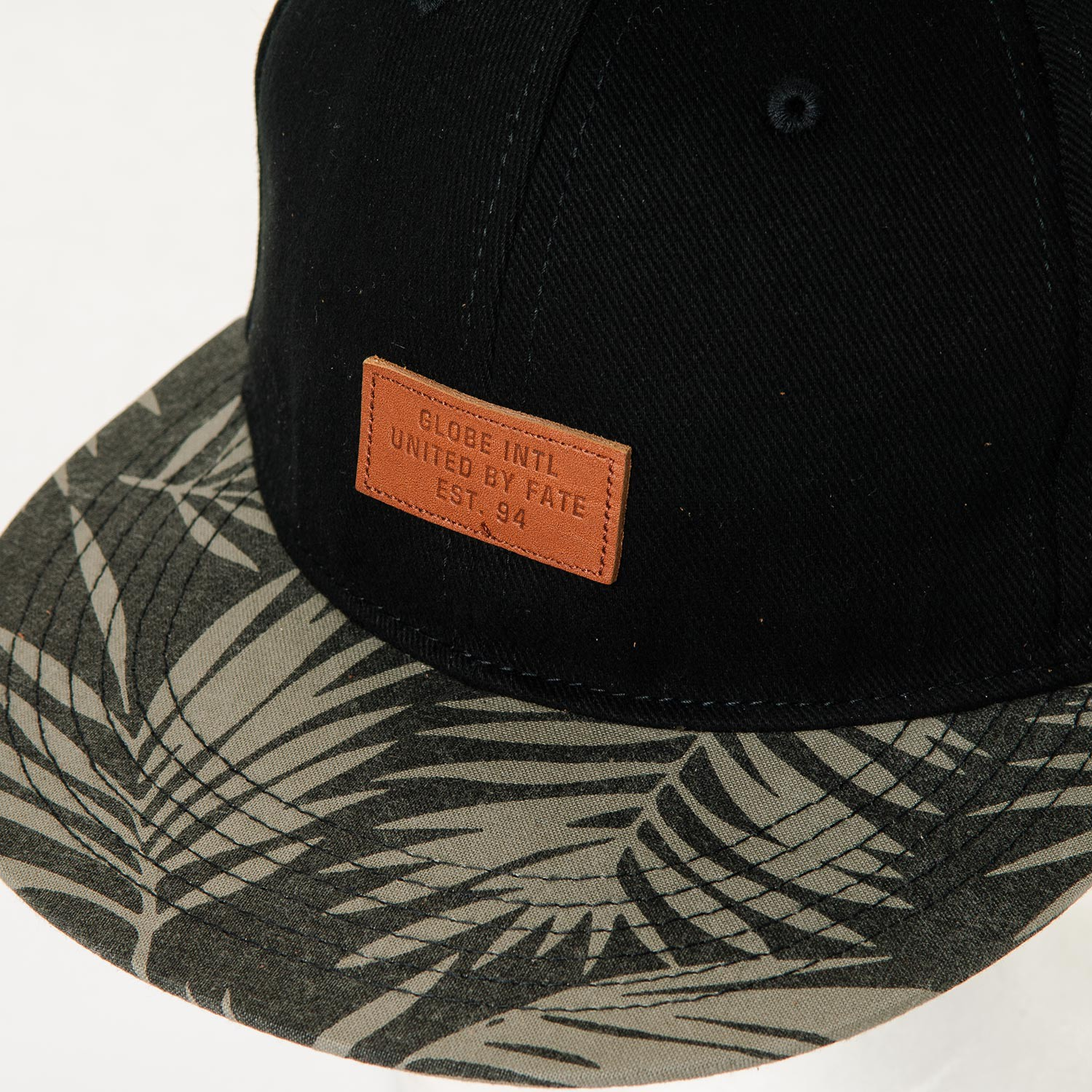 Globe Osborne 6 Panel